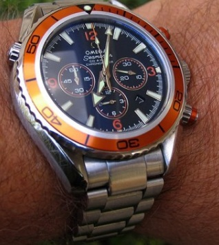 Review Of Replica Orange Omega Seamaster for its innovative functions, as well as its extreme performances