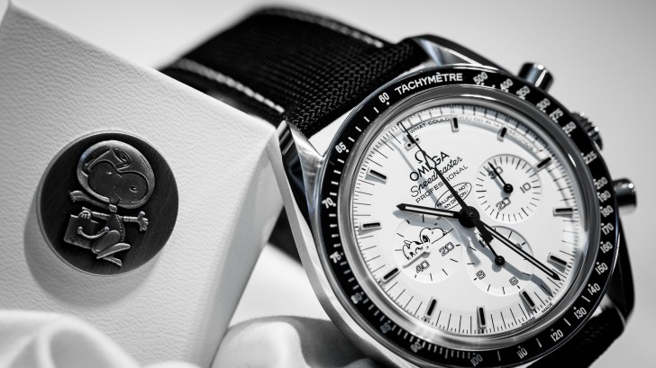 Replica Speedmaster Professional Silver Snoopy