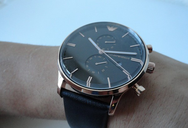 We Take A Closer Look At Emporio Armani Classic Replica