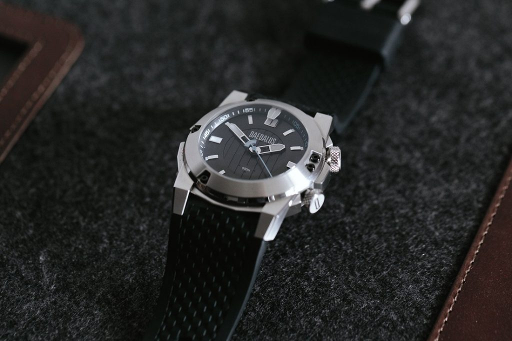 We Take A Closer Look At Daedalus Dae-Diver Replica Watch